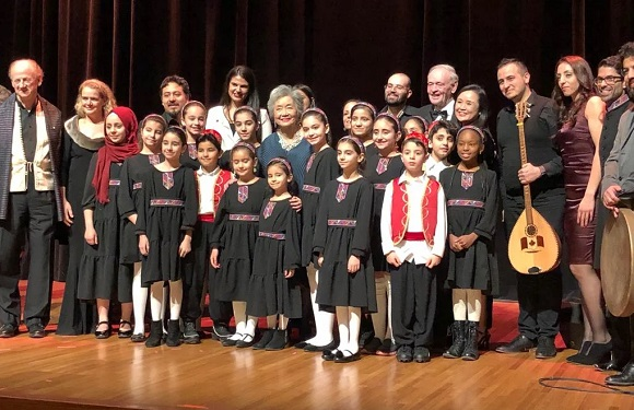 Nai Choir sings for Adrienne Clarkson
